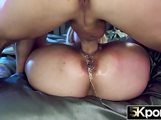 5KPORN - Huge Tit Teen Skylar Vox