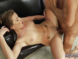 Young couple 69 xxx Sex with her boychumÐ'Ò's father after