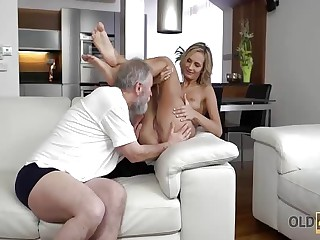 OLD4K. Young wife enjoys pleasurable morning with husband