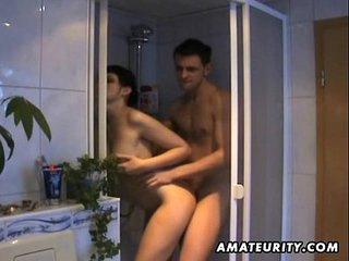 Amateur girlfriend sucks and fucks in her bathroom