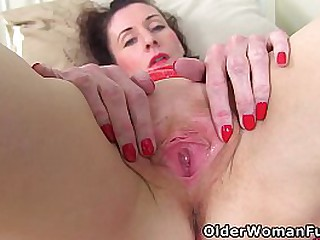 Skinny milf Scarlet Louise from England lets her wet fanny give her a fabulous orgasm (brand NEW video available in Full HD 1080P). Bonus video: English mature Tracey.