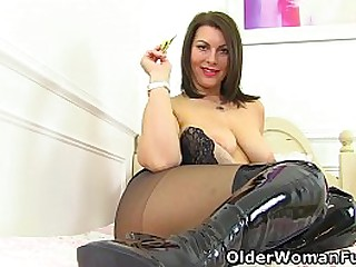 Gorgeous milf Raven from the UK knows how to get your cock hard with her suckable tits and fuckable cunt (now available in Full HD 1080P). Bonus video: Scottish milf Toni Lace.